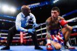 VIDEO: las reacciones de un árbitro durante un combate de boxeo se roban la atención del público