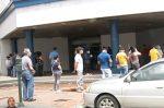 VIDEO   Se registran aglomeraciones en entidades bancarias de Guayaquil