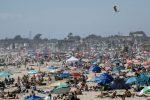 Coronavirus en Estados Unidos: Las playas de California, llenas de gente pese a las órdenes de distanciamiento