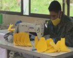 VIDEO | Militares fabrican mascarillas para donar a grupos vulnerables en la emergencia sanitaria