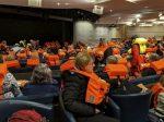 Rescatan a pasajeros de crucero averiado en Noruega