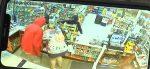 VIDEO | Mujer embarazada es golpeada durante un violento robo a mano armada