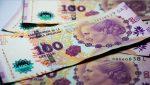 Histórica depreciación de la moneda argentina: el valor del dólar supera los 60 pesos