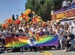 """""""Ustedes no son mujeres y no pertenecen aquí"""": Investigan como crimen de odio la agresión contra grupo trans de Los Ángeles"""