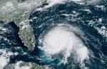 """Dorian se convierte en un """"catastrófico"""" huracán de categoría 5"""