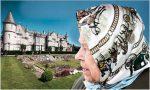 La reina Isabel II se burla de unos turistas que no la reconocieron