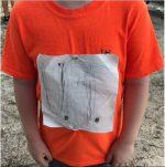 Sueño cumplido: un niño de Florida hizo su propia camiseta de una universidad y fue llevada a la realidad