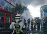 IMÁGENES | voraz incendio de un edificio en el centro de Guayaquil