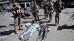 VIDEO: Un militar chileno dispara a un manifestante a centímetros de distancia y lo inmoviliza en el suelo