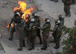 Agente policial sufrió quemaduras graves durante protestas en Chile