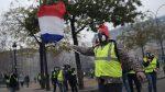 """Tensión en París en nueva jornada de protestas de """"chalecos amarillos"""""""