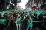 VIDEO | Movimiento feminista vuelve a proponer aborto legal en Argentina en año electoral