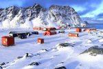 Detectan una enorme fuente de calor desconocida bajo la Antártida