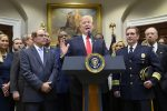 Trump arremete nuevamente contra investigación rusa