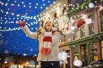 8 frases de libros que nos recuerdan que no es malo pasar una Navidad solitaria