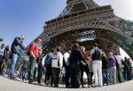 Cierran la Torre Eiffel por la huelga nacional en Francia