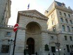 Cierran una comisaría en París tras una invasión de piojos