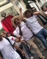 VIDEO: 'El Compadre Siete Vidas' celebra su cumpleaños con una marcha exigiendo justicia