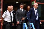 Beckham, seis meses sin permiso de conducir por hablar por teléfono al volante