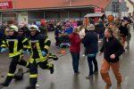 VIDEO | En pleno desfile conductor de camioneta atropella a más de 20 personas