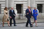 Trump tilda de desastrosa la gestión de May y carga contra su embajador