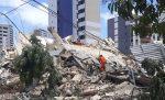 Dos muertos y 10 desaparecidos en derrumbe de edificio en Brasil