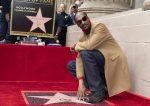 VIDEO: rapero Snoop Dogg ya tiene su estrella en el Paseo de la Fama