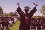 VIDEO | Joven se declara gay frente a cientos en discurso de graduación