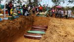 VIDEO | Cavan fosas comunes en Manaos para los muertos de covid-19