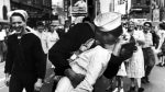 Muere a los 95 años el marinero de la icónica foto del fin de la Segunda Guerra Mundial