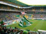 VIDEO: hinchas incendian sus butacas en un partido entre Sporting de Lisboa y FC Porto
