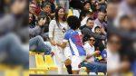 Un futbolista anota, pide matrimonio a su novia y recibe una amarilla