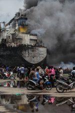 Al menos 22 personas resultaron heridas tras incendio en un barco petrolero en Indonesia