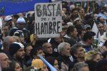 VIDEO: los argentinos en la odisea de llegar a fin de mes