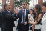 Juan Guaidó denuncia la presencia de FAES en su casa