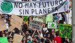 Millones de personas de 156 países participan en las manifestaciones por el clima que recorren el mundo