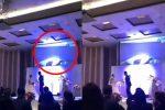 Revela en su boda el video de su novia siéndole infiel con el hermano
