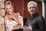 "Pamela Anderson llama en Londres a ""salvar"" a Julian Assange"