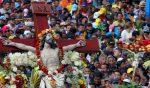 Miles de creyentes católicos acompañaron al Cristo del Consuelo