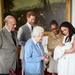 VIDEO | La Reina Isabel aceptó la decisión de Harry y Meghan de no pertenecer a la realeza