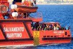 Casi 800 migrantes rescatados y 14 desaparecidos en aguas españolas