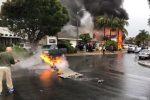 VIDEO   Un avión se estrelló en un barrio de California