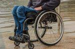 Hombre queda parapléjico por gusano que contrajo en su partes íntimas al nadar en un lago