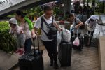 VIDEO: cientos de turistas bloqueados en Tailandia por tormenta Pabuk