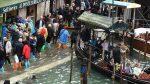 VIDEO: La insólita pizzería que funciona con todo e inundación en Venecia
