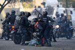 Más de 50 heridos en el segundo día de protestas en Venezuela