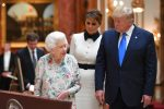 VIDEO | Trump, recibido en Buckingham por la reina Isabel y el príncipe Carlos