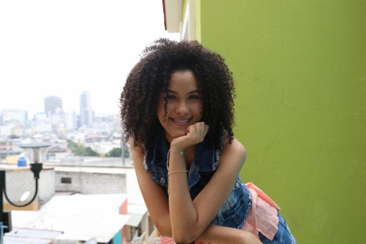 Yilda, empezó las grabaciones de Calle Amores siendo menor de edad