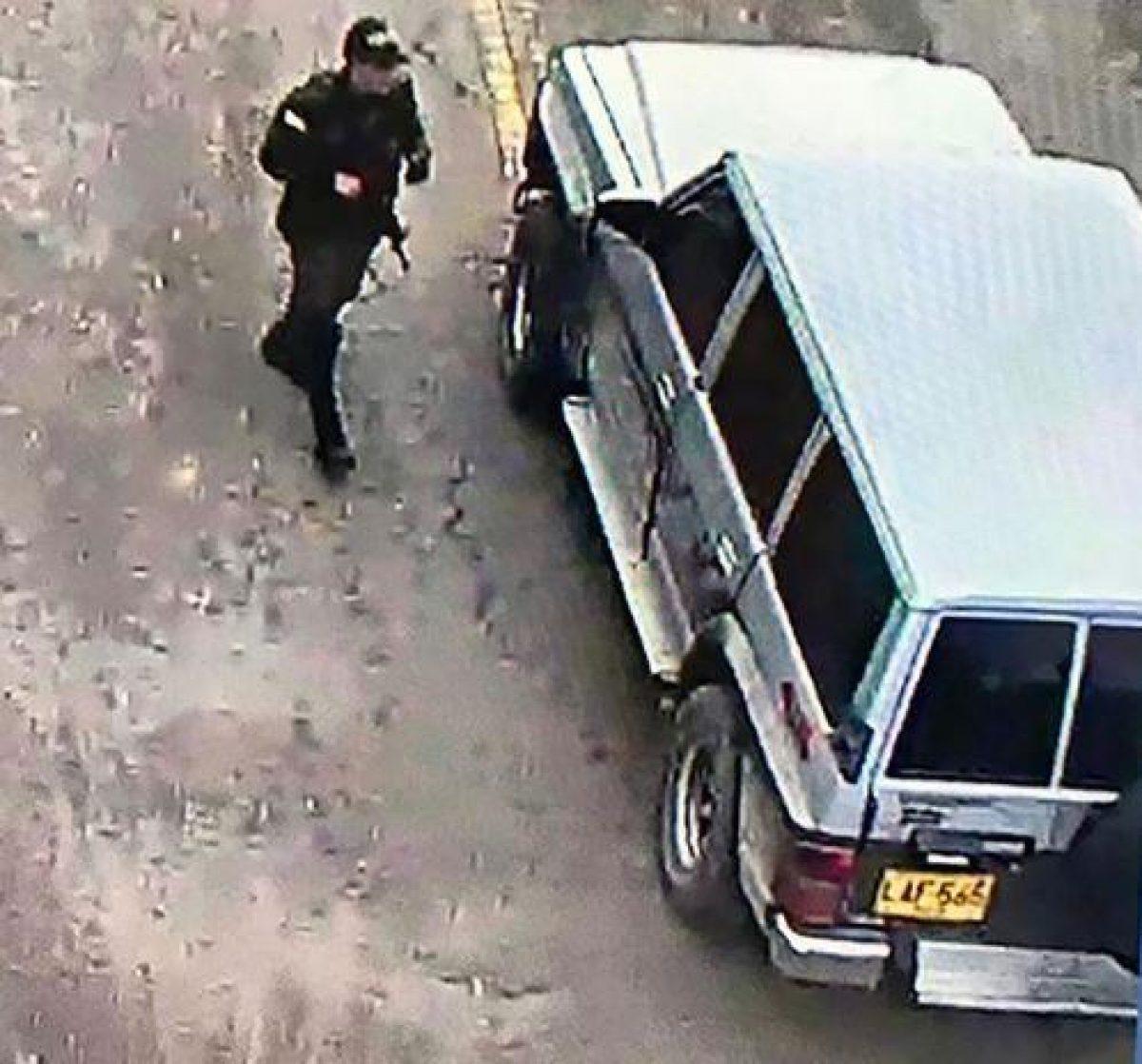 Esta es la camioneta Nissan Patrol, modelo 1993, que explotó dentro de la escuela policial