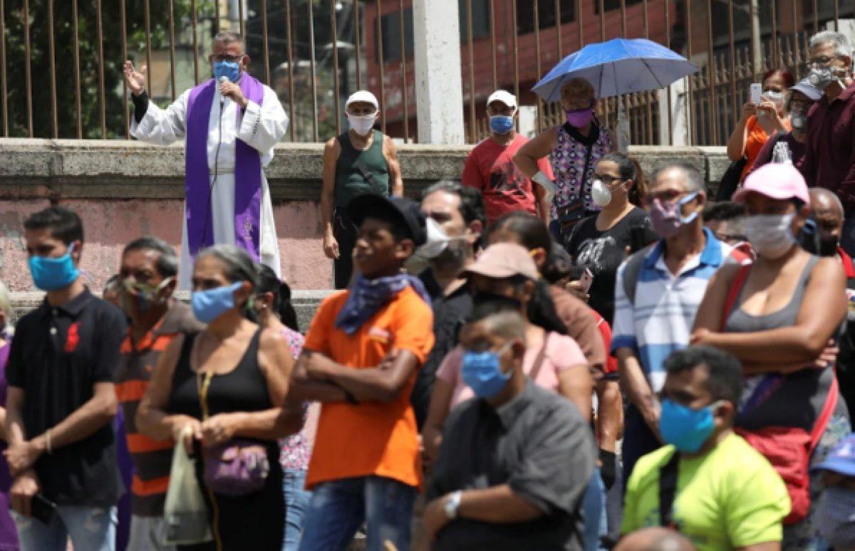 """Caracas y seis estados iniciaron el 16 de marzo una """"cuarentena social"""", como la llamó entonces Maduro, que al día siguiente se extendió por el resto del país (Reuters)"""